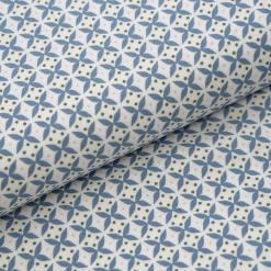 Leichter Baumwollstoff - Weiß mit graublauen Kreuzchen - von Gütermann