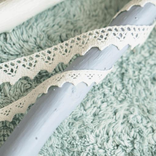 Baumwollspitze mit großen und kleinen Zacken