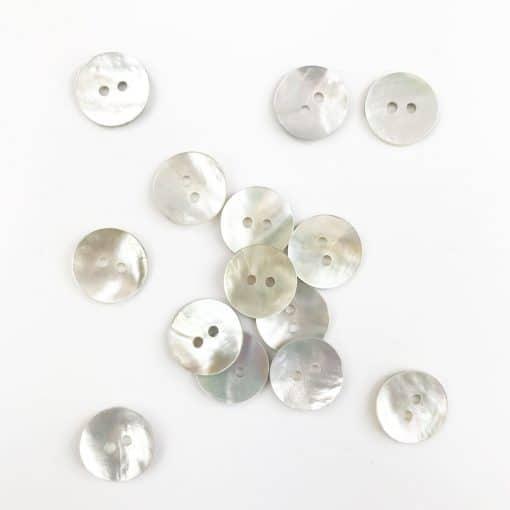 Perlmuttknopf 15 mm weiß 2-Loch
